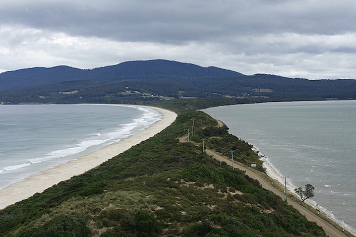3 day tour wineglass bay port arthur bruny island by. Black Bedroom Furniture Sets. Home Design Ideas